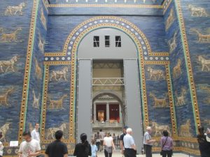 Ishtar_gate_in_Pergamon_museum